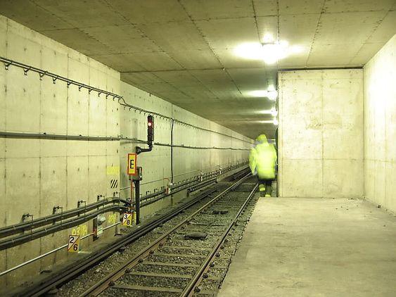 Kymlinge stasjon utenfor Stockholm ble bare et skall etter at myndighetene gravla planene om å flytte en rekke direktorater til dette området.