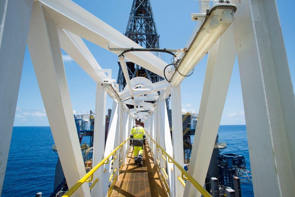 """STORE PENGER: Gassfunnet utenfor Tanzania er gigantisk. Her fra boreskipet """"Discoverer Americas"""" i september i fjor."""