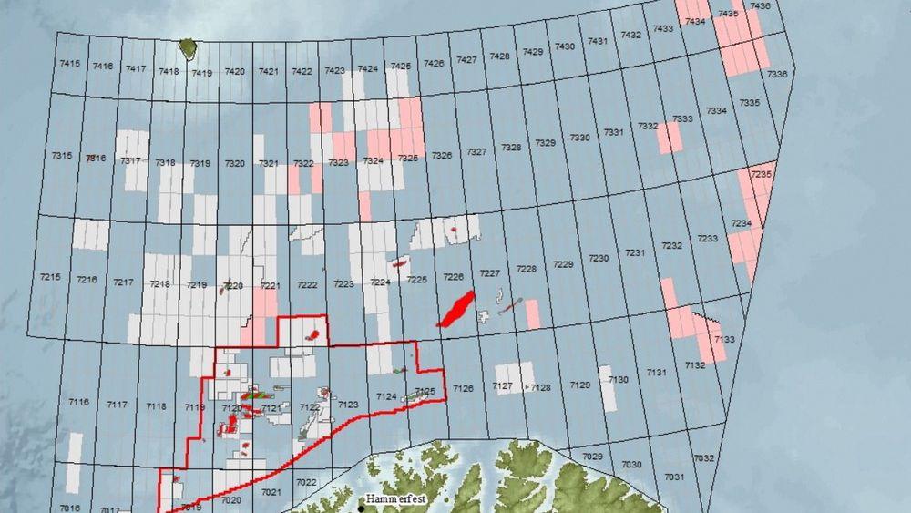 Her er blokkene i Barentshavet (rosa) som myndighetene foreslår å åpne for leting i 23. konsesjonsrunde. De grå feltene er allerede åpnet. For flere av blokkene lenger nord og øst trengs det løsninger for beredskapen, før de kan gå i gang med å bore, ifølge Petroleumstilsynet.