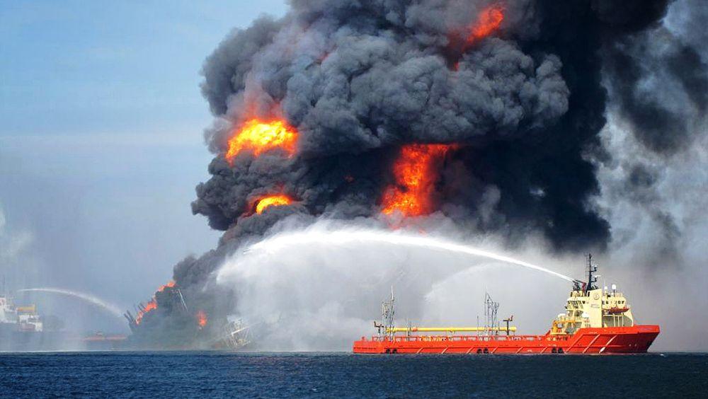 Deepwater Horizon-ulykken i 2010 er blant de største utslippene i oljehistorien. Men det er to som er større.