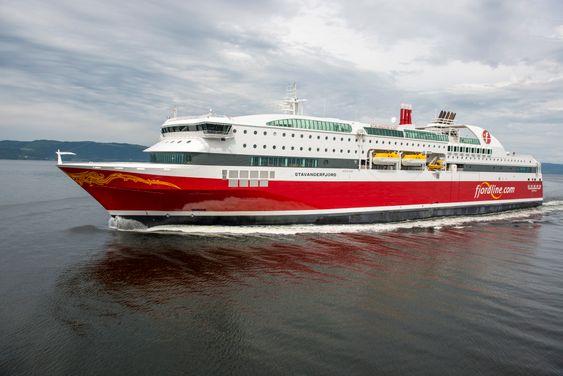 """Gass: Verdens første passasjerferger med ren LNG-drift. Fjordline valgte """"lean burn-motorer"""" fra Rolls-Royce til sine to ferger på 170 meter og 27,5 meters bredde. De tar 600 biler og 1500 passasjerer. Marsjfart er21,5 knop."""