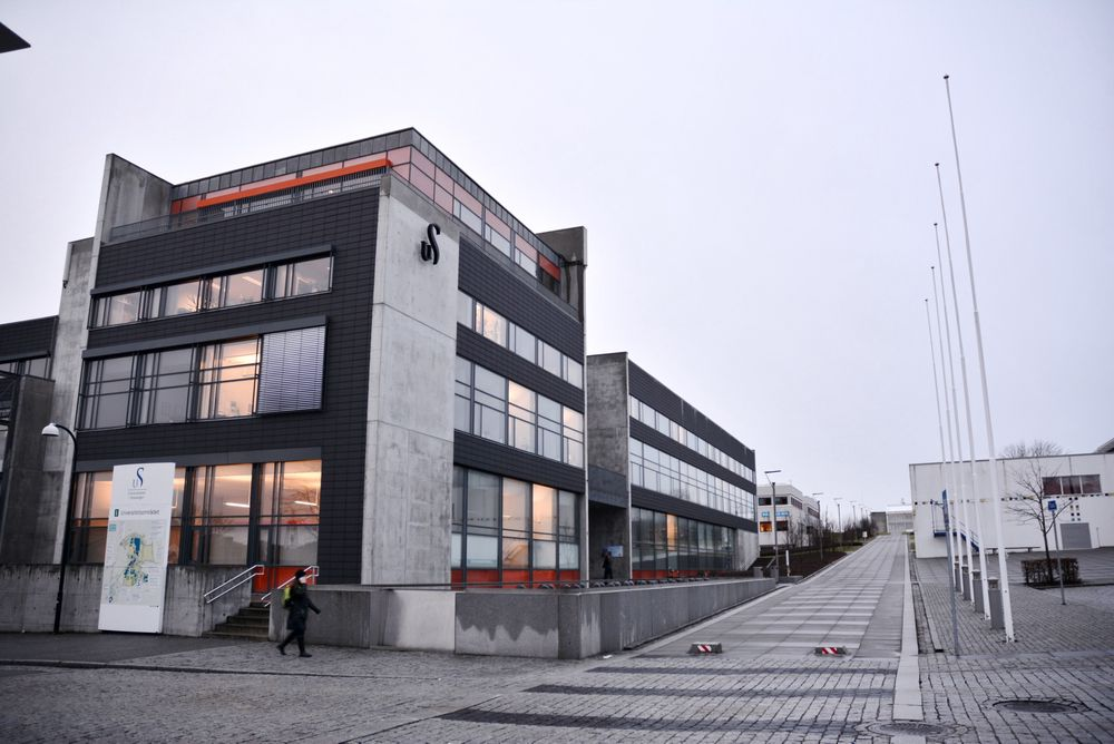 Universitetet i Stavanger og GE Oil & Gas har inngått en samarbeidsavtale som kan gi sårt tiltrengte professor 2-stillinger til oljefag.