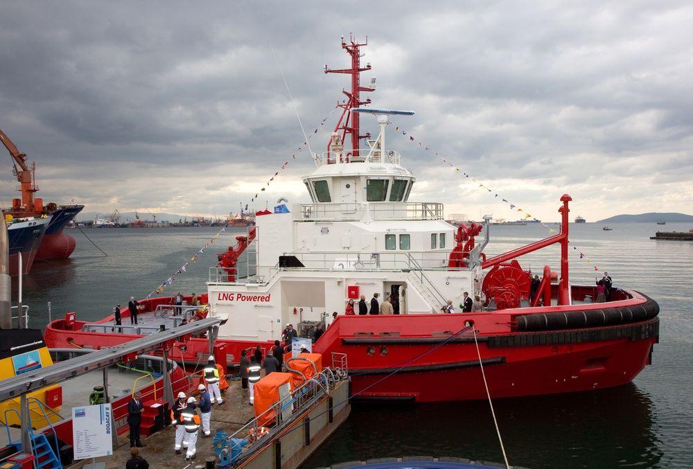 Buksér og Berging har fått verdens første gassdrevne taubåt. Dåp og overlevering av Borgøy fant sted i hos verftet Sanmar i Istanbul i Tyrkia lørdag 5. oktober 2013.