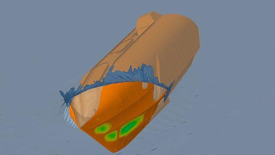 Vinkel: Vind kan dreie livbåten og påvirke innfallsvinkel i sjøen. Bølgekondisjoner har også mye å si for hvordan kreftene påvirker konstruksjonen. Blått er lave defleksjoner i strukturen, grønn moderat, derfra går det mot gult og rødt.