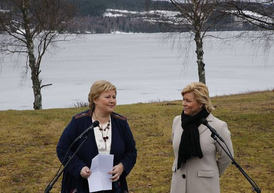 Statsminister Erna Solberg (H) og finansminister Siv Jensen (Frp) på regjeringens budsjettkonferanse som startet mandag morgen på Hurdalsjøen hotell i Akershus.