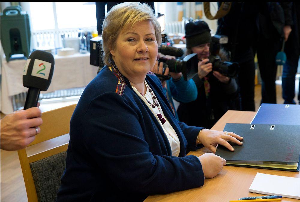 Statsminister Erna Solberg (H) på regjeringens budsjettkonferanse som startet mandag morgen på Hurdalsjøen hotell i Akershus.