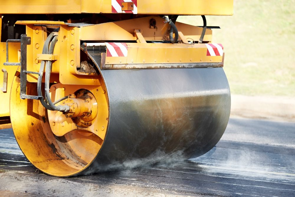 TRUSSEL: Vegvesenet truer nå med å utestenge Veidekke og NCC fra asfaltkontrakter.