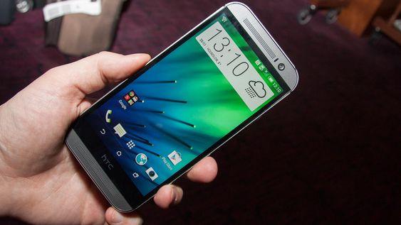 HTC One M8 kjører Androdi 4.4, og brukergrensesnittet de kaller Sense 6, eller sixth Sense.
