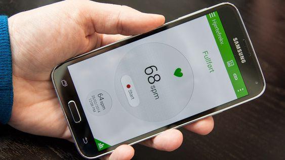 Samsung har integrert pulsmåler i Galaxy S5. Det er en gimmick, men også muligens et endetidstegn for pulsklokkeprodusentene.