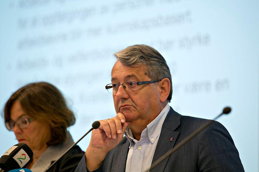Riksrevisor Per-Kristian Foss la i dag frem Riksrevisjonens årsrapport. Flere etater får sterk kritikk for dårlig informasjonssikkerhet.