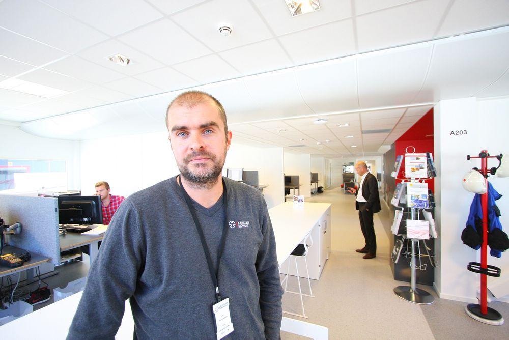Overvåker: Bård Kausland leder avdelingen for vibrasjonsanalyse i Karsten Moholt.