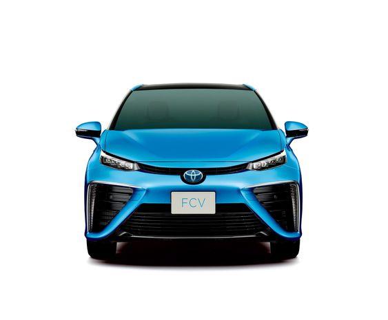 Toyotas første serieproduserte brenselcellebil (FCV) lanseres innen april 2015 i Japan og på sommeren i Danmark, Tyskland og England. Norge må vente minst til 2016.