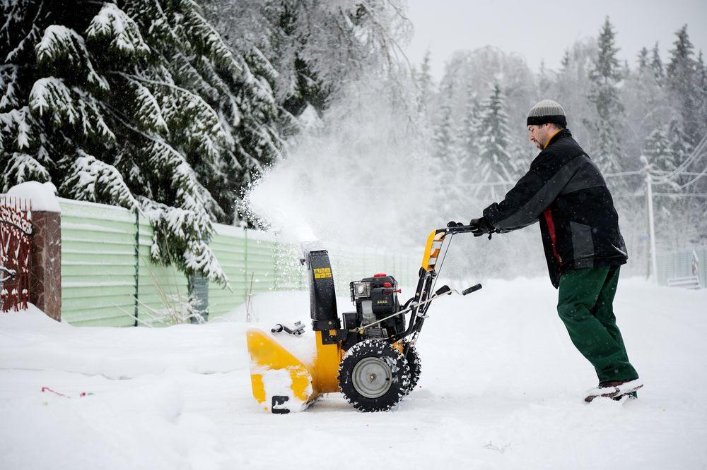 Det første snøfreskjøperen må tenke på, er hvor stort areal som skal brøytes.