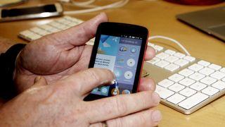 Telenor har spesialdesignet en smarttelefon til 385 kroner