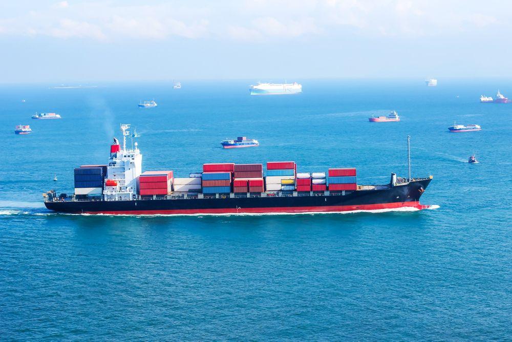Trangt: Hvert døgn passerer rund 500 større skip Den engelske kanal. Konsekvensene kan bli store hvis flere av dem får problemer med bytte av drivstoff på vei inn i ECA-området, som begynner i det trange farvannet mellom England og Frankrike.