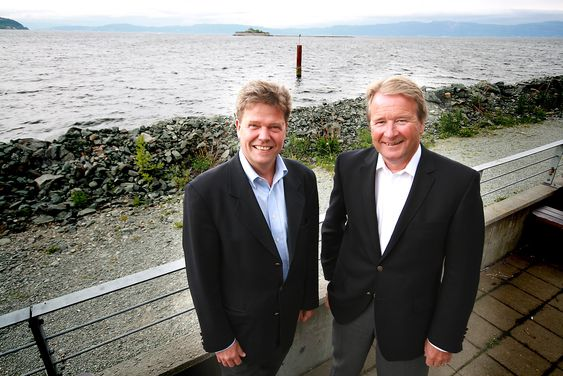 KLAR FOR SHTOKMAN: Trønderske Reinertsen er offshoreleverandør, og har som første vestlige selskap etablert verksted i Murmansk. Før helga uttalte Gazprom til direktørene Geir Suul (til venstre) og Torkild Reinertsen at de får bli med på Shtokman-utbyggingen.