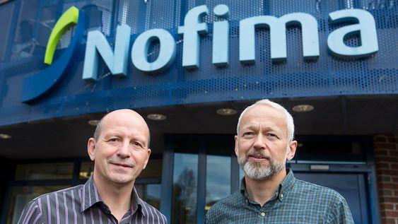 Nofima-forskerne Roy Robertsen og Otto Andreassen spår en hard kamp om lokaliteter for oppdrettsnæringa som tar sikte på å mangeboble seg de kommende tiårene.