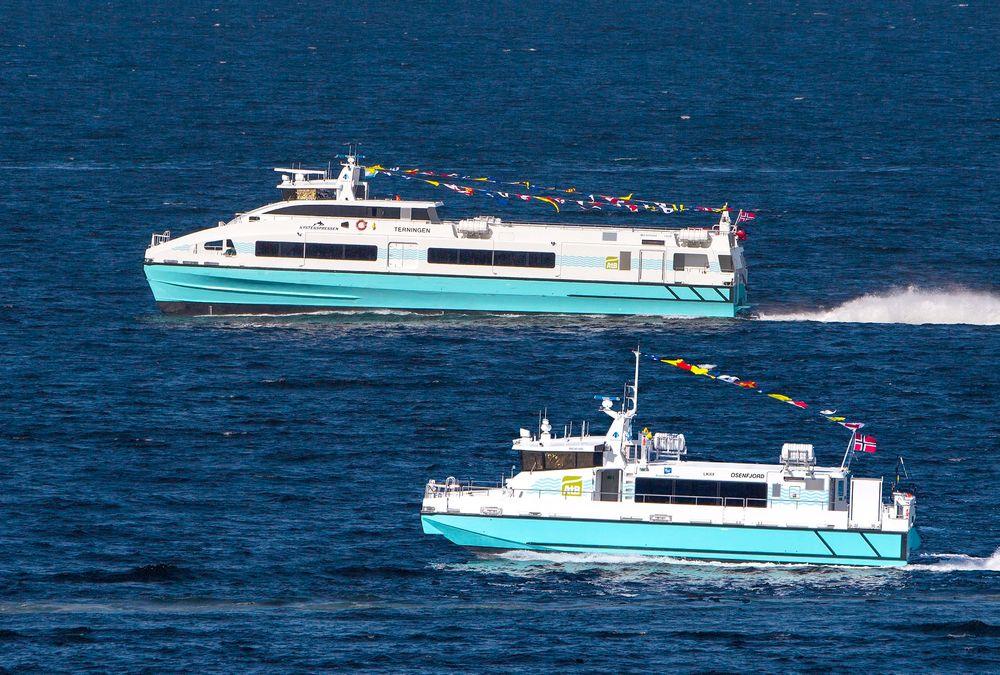 Stort og mindre: Terningen og Osenfjord fra Brødrene Aa ble levert i våres til FosenNamsos Sjø. Terningen tar 275 passasjerer og går i 34 knop, mens Osenfjord tar 48 passasjerer og går i 17 knop. Alle foto: Jan-Olav Storli