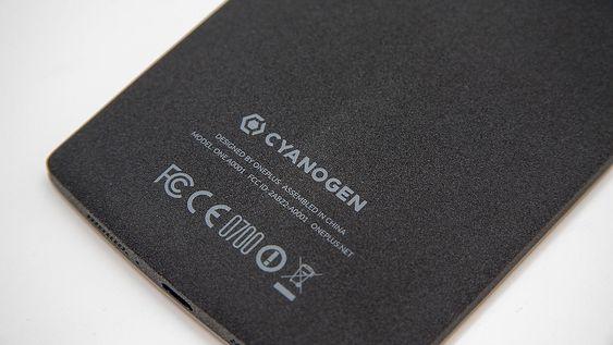 Telefonen kjører CyanogenMod.