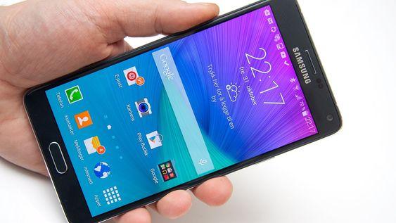 Skjermen er muligens den beste Samsung har laget til nå. Den er rett og slett rålekker.