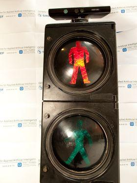X-box 360 er en del av teknologien som registrerer hvordan fotgjengerne i forsøkene på NTNU beveger seg.