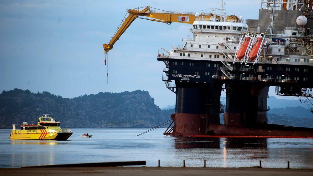 Odfjell sendte ned dykkere for å plugge hull i ballasteringssystemet på Island Innovator midt på natten.