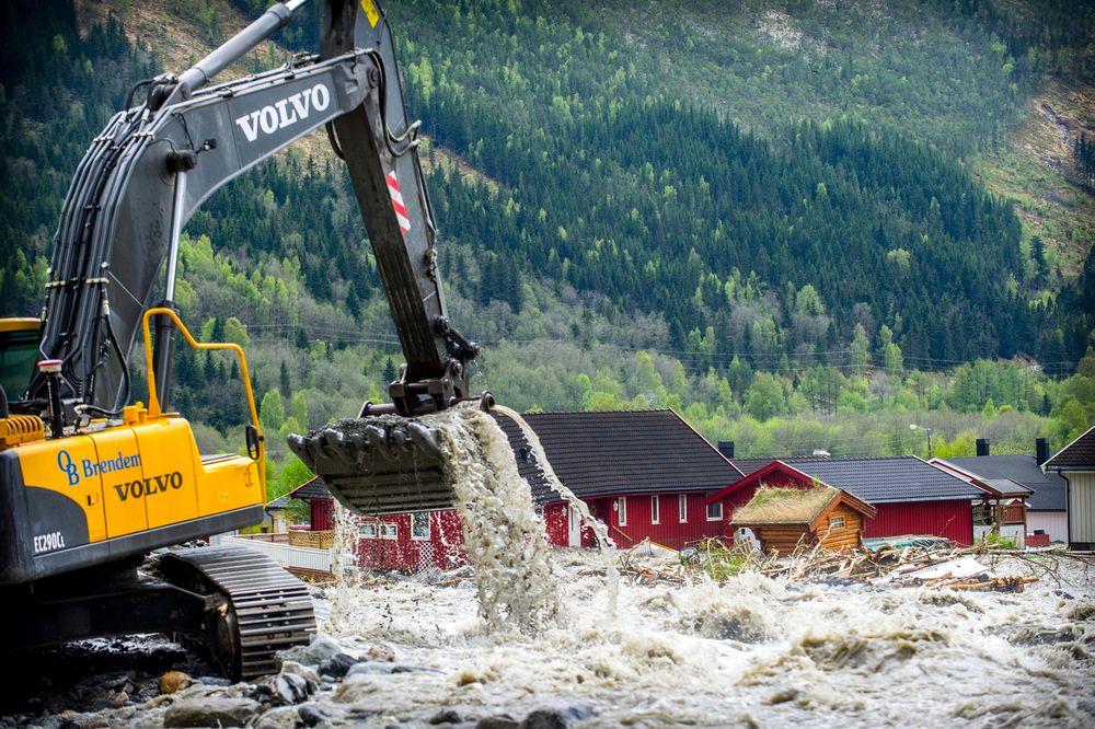 Årets flom kostet 240 millioner kroner: Flere av husene som ble rammet i 2011, er på ny rammet.