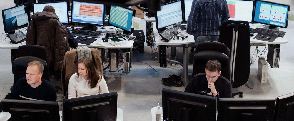 I Telenors operasjonssentral overvåkes flomsituasjonen.
