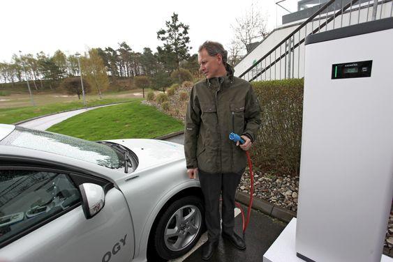 TU kjørte tjue mil i en C30 electric gen II sammen med Niclas Rosengren. Han leder i dag Volvos arbeid med elektriske drivlinjer og er en av mange ingeniører som gikk fra Saab til Volvo i 2011.