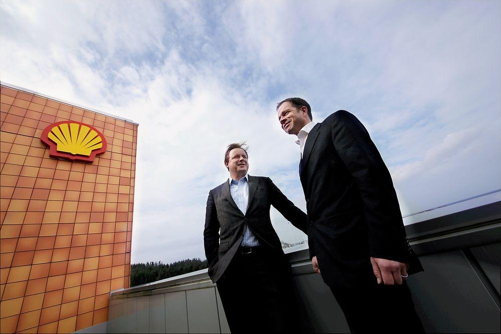 Har mye penger: Direktør Geert van de Wouv (t.v.) og investeringssjef Peter van Giessel i Shell Technology Ventures er klare til å investere flerfoldige millioner kroner i norsk oljeteknologi.   foto: Peder Qvale