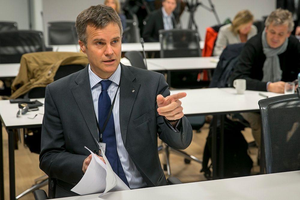 Statoils hovedkontor i Stavanger ble tirsdag ransaket på grunn av mistanke om brudd på EØS-reglene. Her er konsernsjef Helge Lund fotografert da han presenterte Statoils resultat for første kvartal 2013.