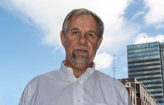 Vil hundredoble:  Dr. Herbert Cornelius i Intel er med på å utvikle hundre ganger raskere superdatamaskiner som han mener kommer til å bli tolgjengelige om syv år.