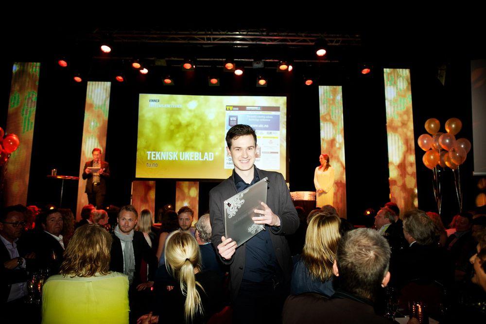 tu.nos frontsjef Stein Jarle Olsen tok imot prisen for Årets nisjenettsted under Nordiske Mediedager i Bergen.