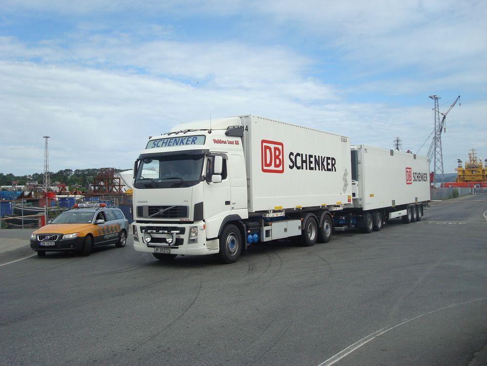 Modulvogntog burde tillates som beredskapsløsning når togene på Dovrebanen står, ifølge NHO logistikk og transport og Schenker.