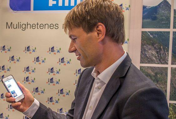 Omfavner mobilen: Sjefen for Finn.no, Christian P. Halvorsen, tror Finn.no vil bli strørre på mobiler og nettbrett enn på desktopp i påsken neste år.