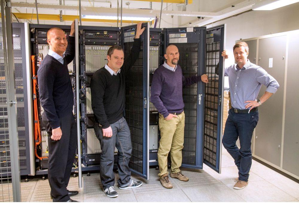 M2M-gründere: Raymond Berntsen, Pete Vickers, Henning Solberg, Kristian Sølvberg (fra høyre) har etablert Com4 i en del av telemarkedet som vokser med rakettfart.