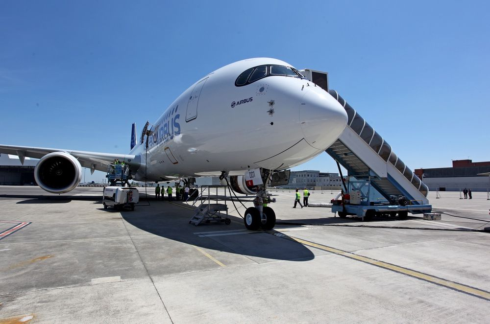A350XWB MSN-1 fløy første gang 14. juni. Senere har SAS bestilt åtte slike langdistansefly i tillegg til fire oppgraderte A330-300.