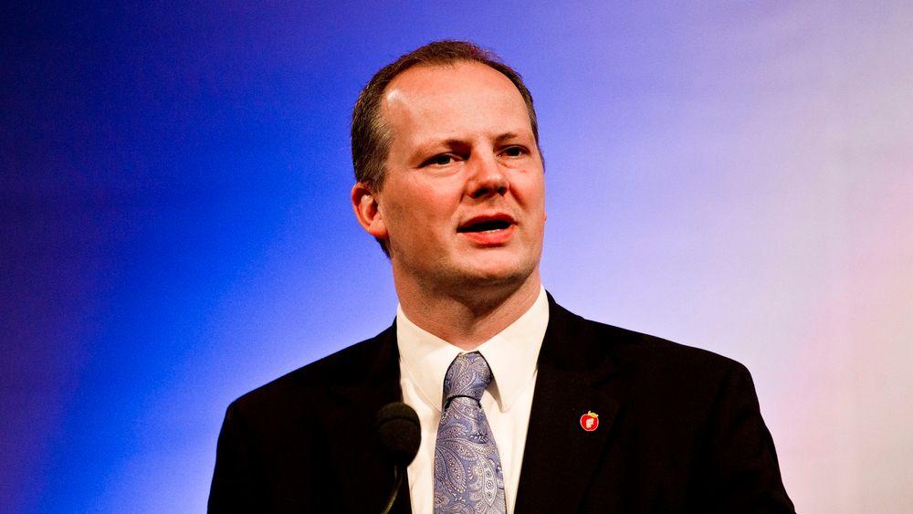 Den nye samferdselsministeren Ketil Solvik-Olsen er opptatt av vedlikehold.