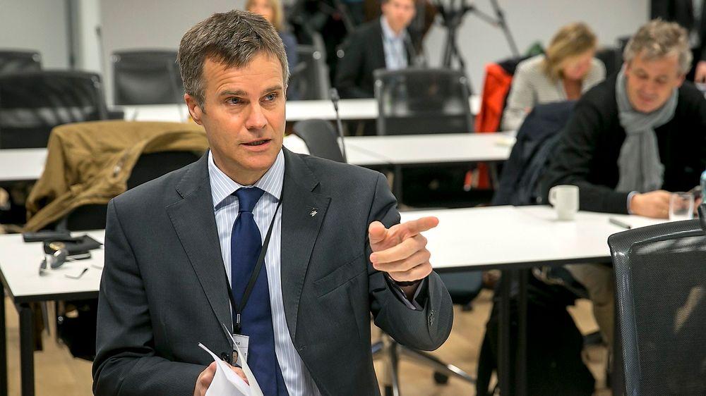 Det er faktisk nødvendig for et børsnotert selskap å undersøke om det er mulig å drive billigere enn i Norge, mener redaktør Tormod Haugstad.