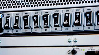 Telenor truer med å legge ned basestasjoner