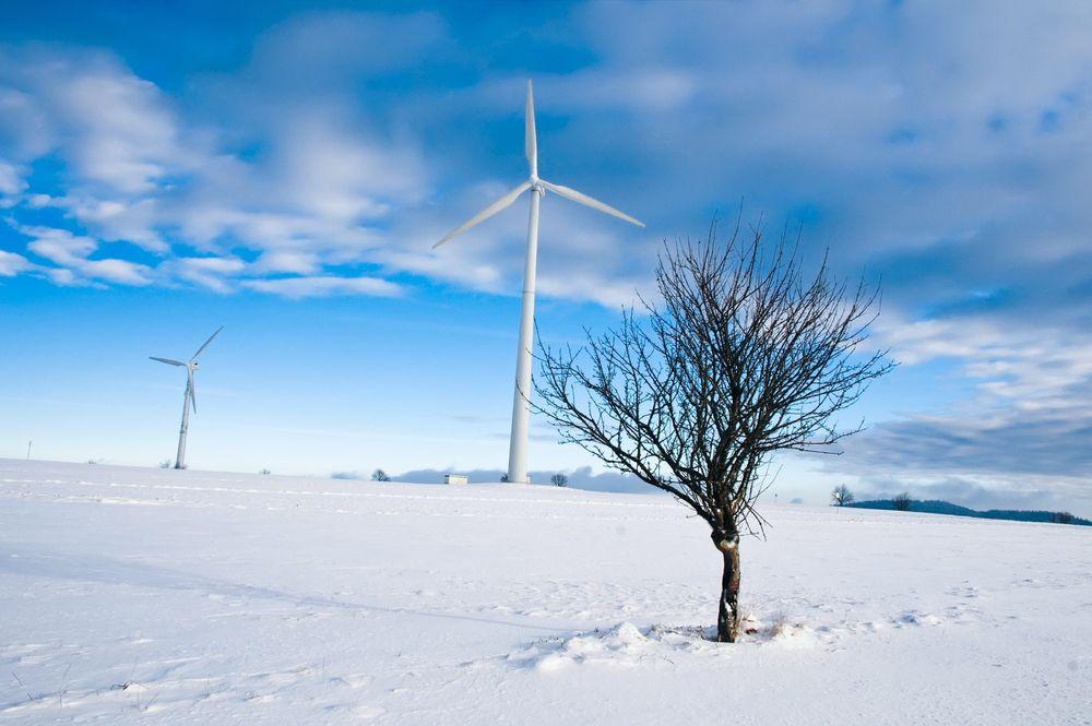 Ising har skapt problemer for flere svenske vindparker i innlandet i løpet av vinteren.