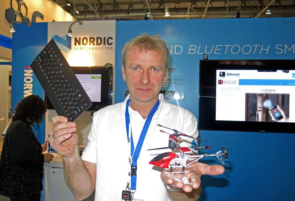 Selger blått i Barcelona: Alf Helge Omre fra norske Nordic Semiconductor er ansvarlig for lavenergiversjonen av Bluetooth som de selger inn i alt fra lekehelikoptre til tastaturer