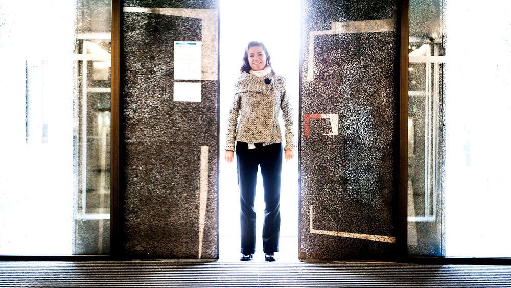 – I Telenor var jeg på 24/7, det skjedde noe hele tiden. I NHO er det litt bedre. Når jeg har gått hjem, renner det ikke inn mengder av e-poster. Det er lettere å skru av nå enn tidligere, sier Kristin Skogen Lund.