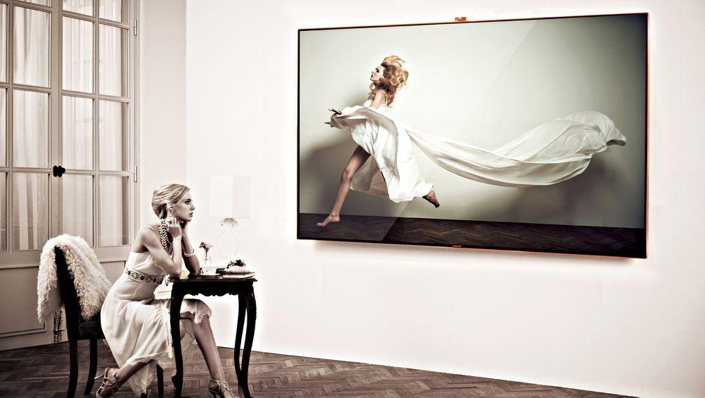 Samsungs 75ES9005 er monumental på veggen og leverer knallgode bilder.