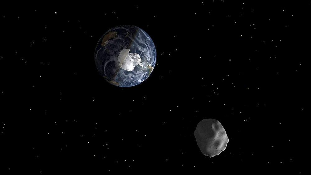 Asteroiden 2012 DA14 passerte nylig jorden på sin ferd gjennom verdensrommet. Det vil ikke vare evig, men forsvinne om noen titalls milliarder år, tror amerikanske forskere.