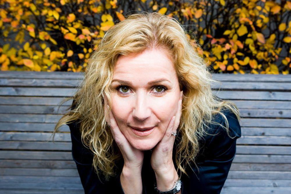 TENKER NYTT: Legemiddelforeningens administrerende direktør Karita Bekkemellem vil beholde Nycomeds fabrikk på Elverum. Hun ber derfor om at folkehelsa flytter produksjonen dit. Foto: Scanpix