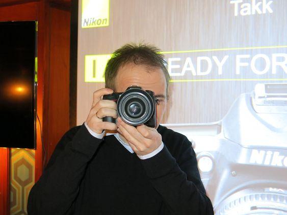Frister: Produktspesialist i Nikon Norge, Jon Aasen, tror det nye mellomsegmentkameraet sine egenskaper vil appellere til avanserte fotoentusiaster