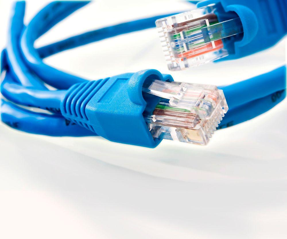 Aktørene i norsk bredbåndsbransje er oppgitt over treighet fra myndighetenes side.