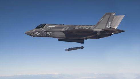 Se F-35 slippe GPS-styrt bombe