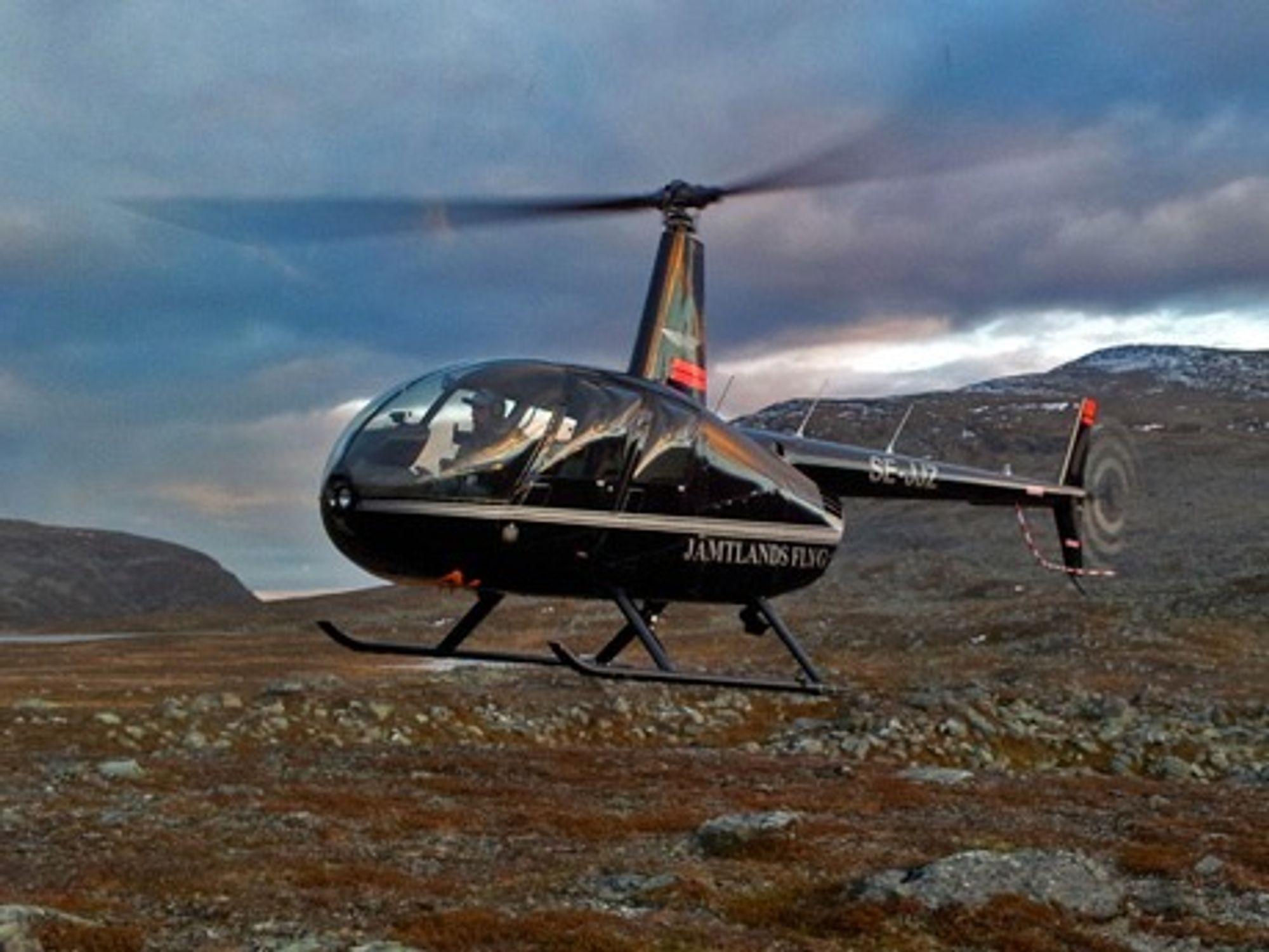 Det var et tilsvarende Robinson R44 fra Jämtlands Flyg som havarerte ved Mosjøen for snart to år siden.